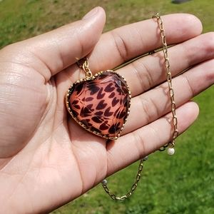 Jewelry - Pearl Cheetah Heart Necklace